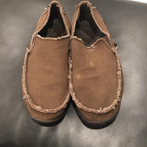 Sanuk Shoes | Crocs Mens Shoes Size 2